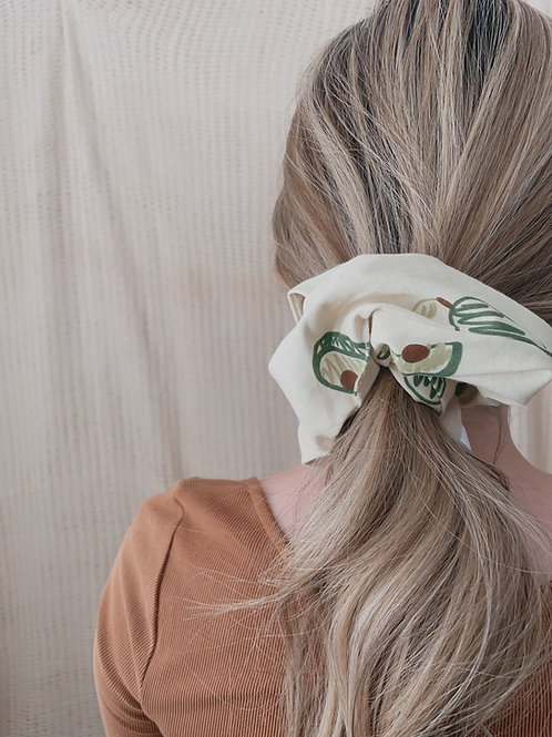 Pop and Guac Oversized Scrunchie