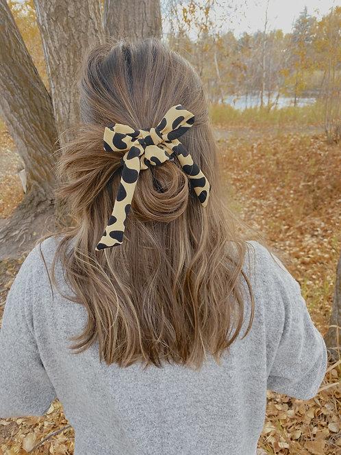 Amigas Cheetahs Bow Scrunchie