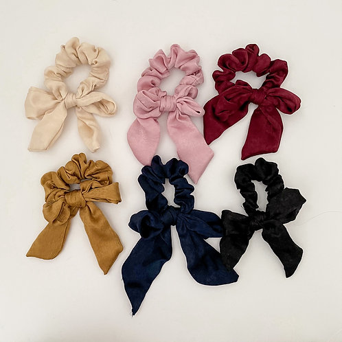 The Holiday Bow Scrunchies
