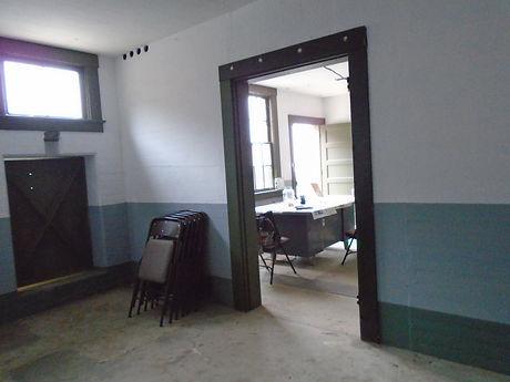 8_MIDDLE DOOR.JPG