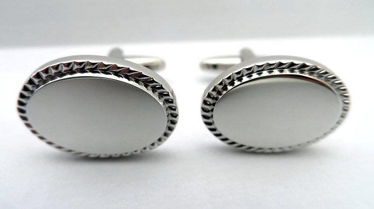 A pair of cufflinks Ref: CU623