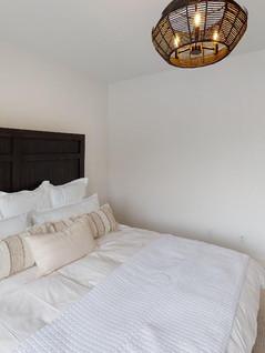 Hart-DeNoble-Builders-Inc-Bedroom(12).jpg