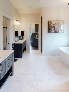 Classic-Custom-Homes-Of-Waunakee-Bathroom.jpg