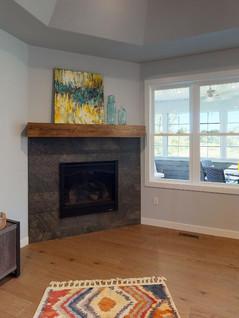 Midwest-Homes-Inc-Living-Room(1).jpg