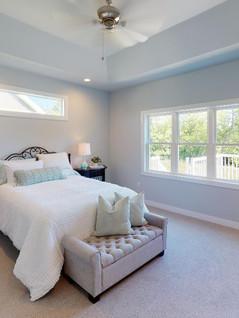 Midwest-Homes-Inc-Bedroom.jpg