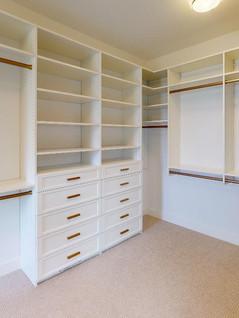Hart-DeNoble-Builders-Inc-Closet.jpg