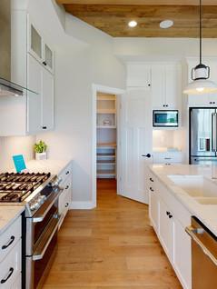 Platinum-Builders-Kitchen(1).jpg