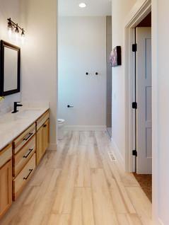 Bill-Weber-Jr-Homes-Bathroom(2).jpg