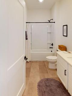 Quality-First-Custom-Homes-Bathroom(2).jpg