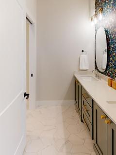 Premier-Builders-Inc-Bathroom(1).jpg