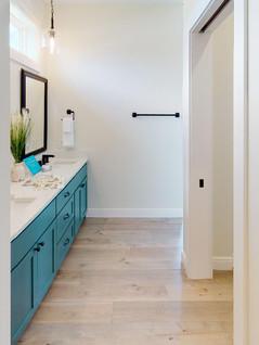 Platinum-Builders-Bathroom.jpg