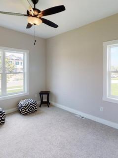 Platinum-Builders-Bedroom(2).jpg