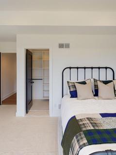 Hart-DeNoble-Builders-Inc-Bedroom(2).jpg