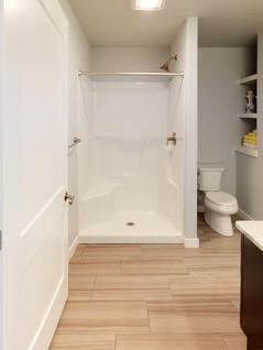Midwest-Homes-Inc-Bathroom(2).jpg