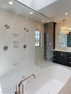 Hart-DeNoble-Builders-Inc-Bathroom(1).jpg