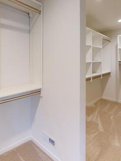 Trademark-Homes-Closet.jpg
