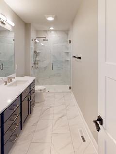 Summit-Custom-Homes-Bathroom.jpg