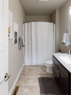 Encore-Homes-Inc-Bathroom(2).jpg