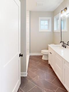 Summit-Custom-Homes-Bathroom(2).jpg