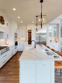 Classic-Custom-Homes-Of-Waunakee-Kitchen(2).jpg