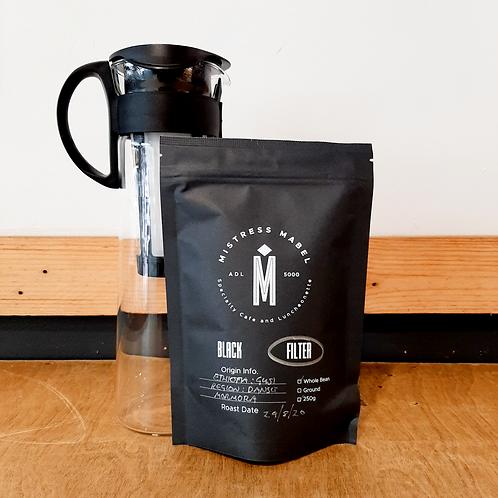 Hario Cold Brew Jug 1L + 250g Coffee