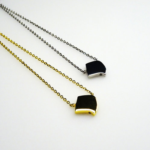 Single Gold Flat  Noghteh Pendant