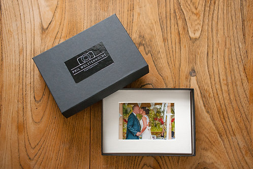 Gift box set of 5 individually mounted, ready-to-frame prints. 10 x 8in.