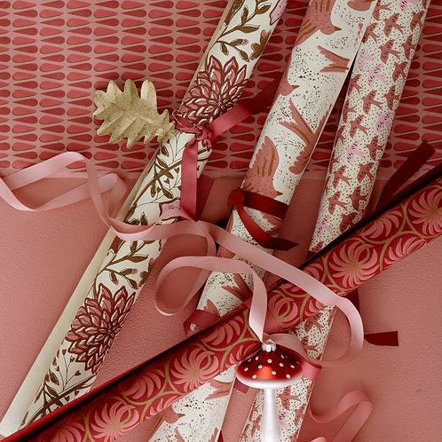 Golden Oak Leaf Christmas Decoration - Set of 3