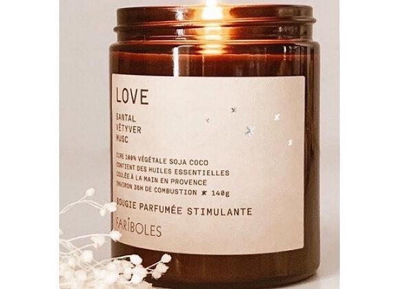 Bougie Love à la cire naturelle de soja, fabriquée en France, Santal, Vétiver, Musc
