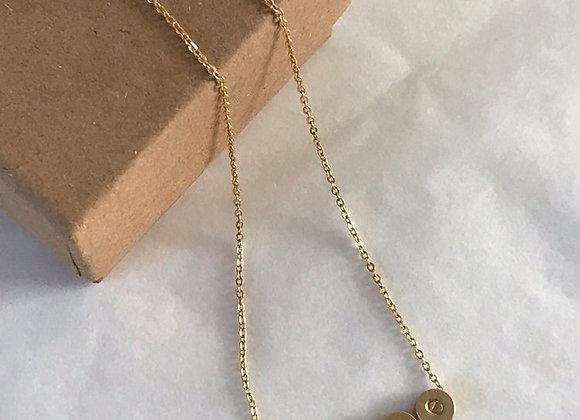 Collier en perles dorées : LOVE