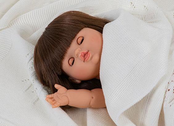 Poupée brune aux yeux dormeurs - BlancBohème