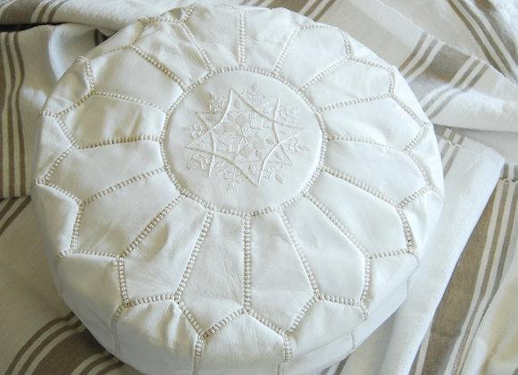 Pouf marocain en cuir blanc
