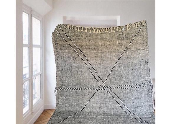 Tapis marocain en laine tissé, noir et blanc