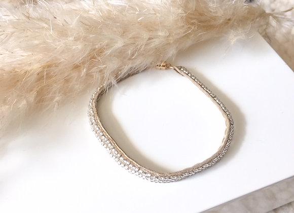 Bracelet en daim perlé