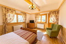 Large bedroom Carpathian Log Home