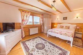 Ensuite bedroom facing Piatra Craiului Mts