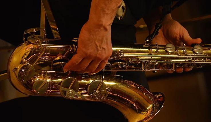 Saxophone1.JPG