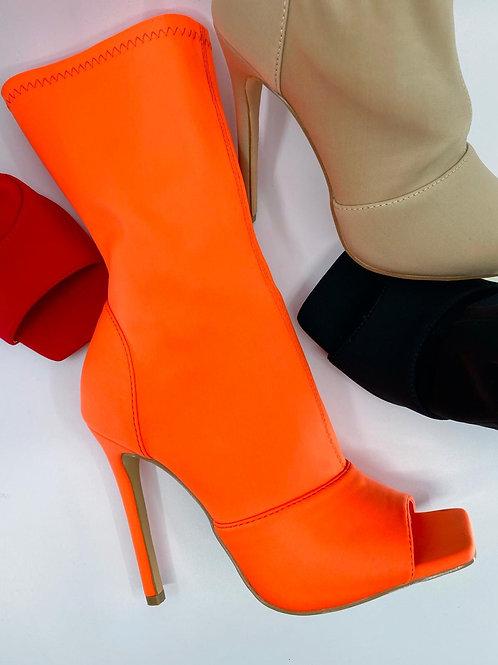 Vicky- Orange-Lycra