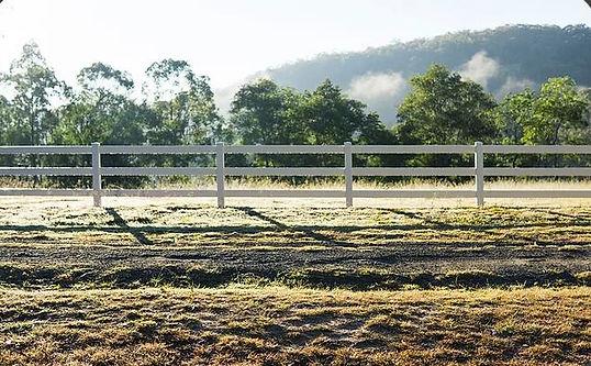 vinyl fence Sacramento