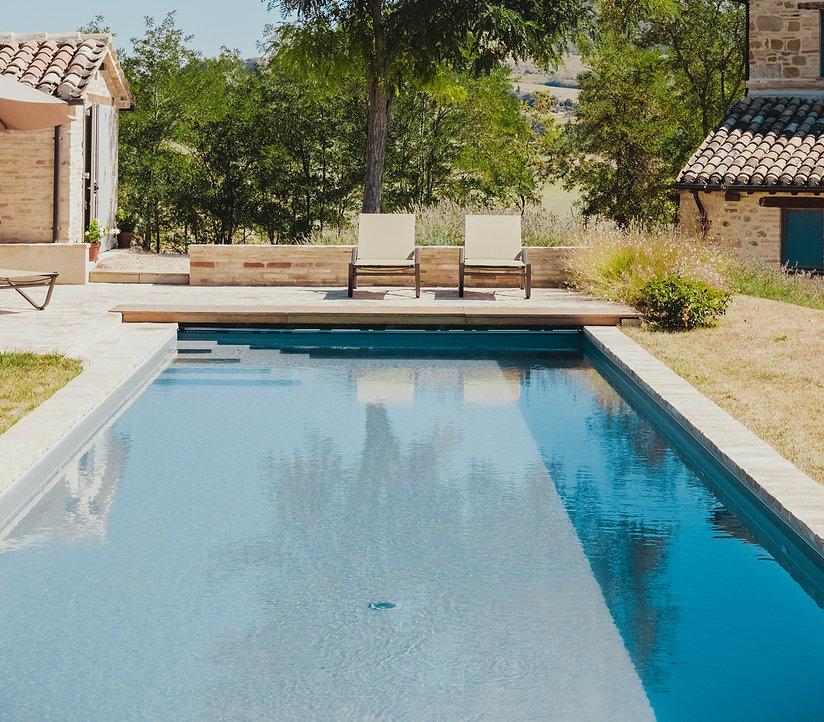 Leander pool builders.jpg