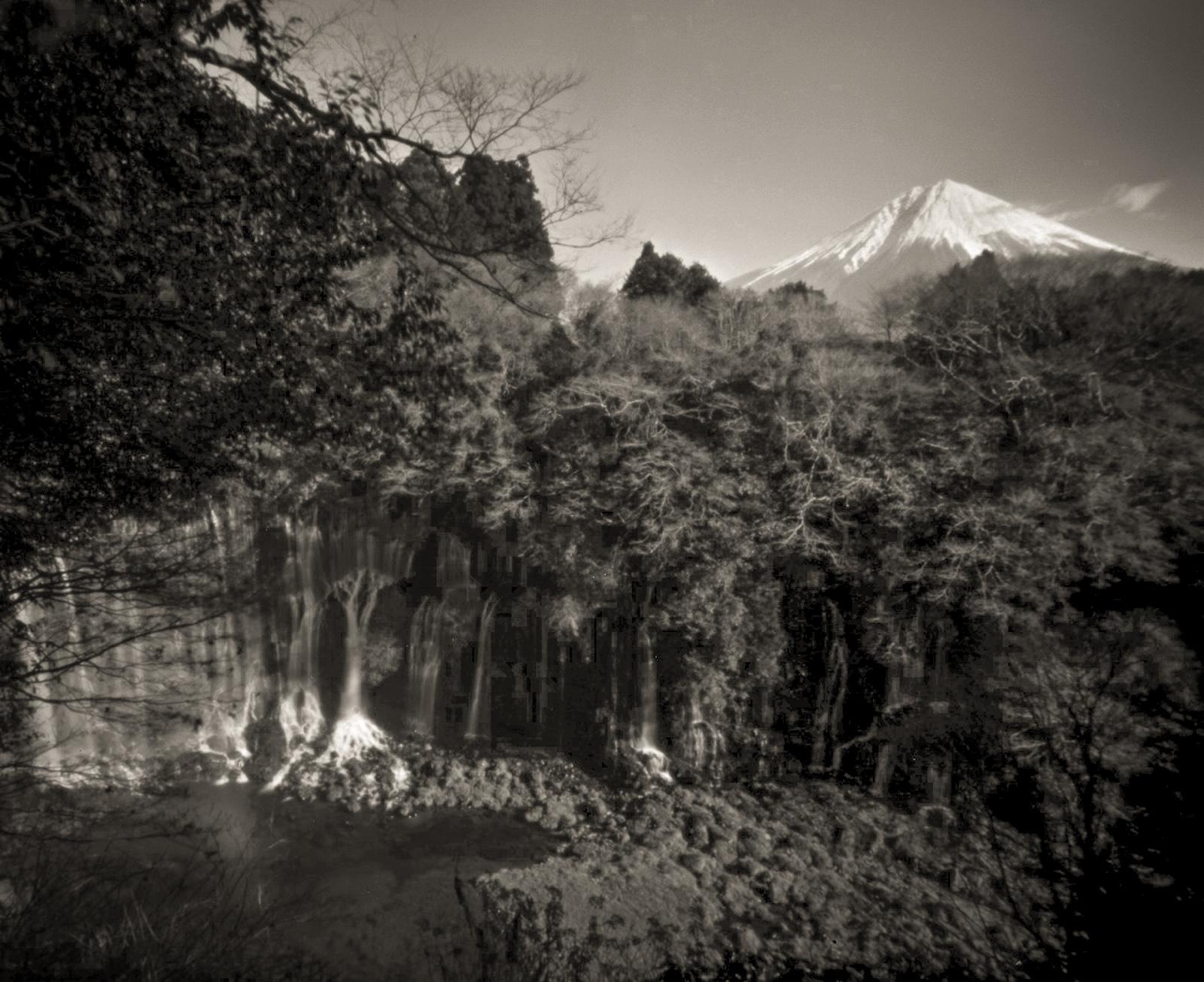白糸の滝と富士/静岡県