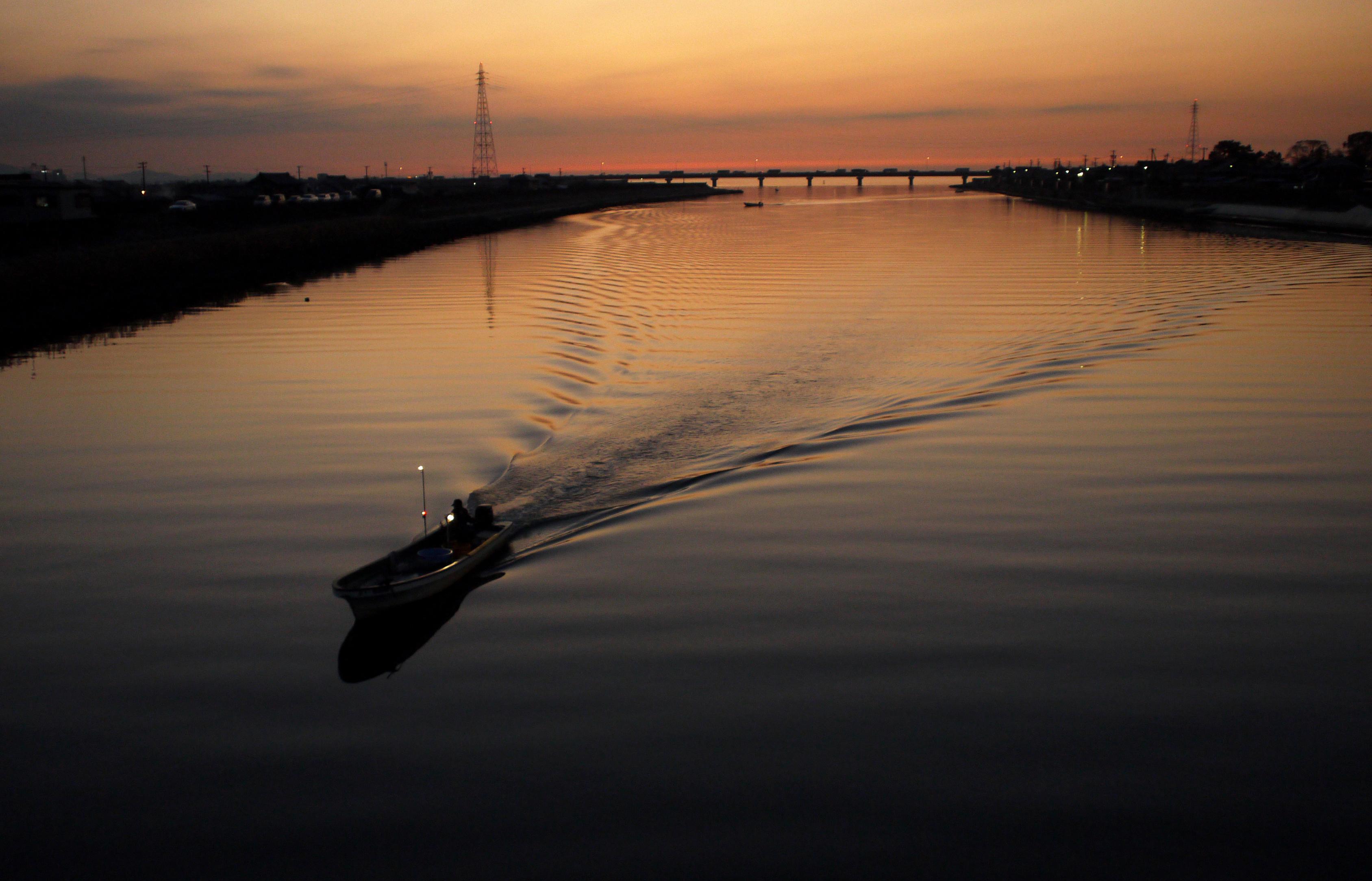 豊川放水路・夕暮れ