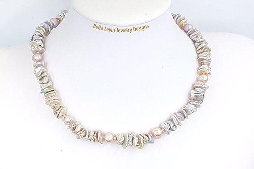 שרשרת פנינים. Pearl Necklace