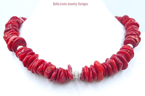שרשרת קורל וחרוזי כסף. Coral beads necklace and sterling silver beads