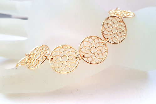 צמיד גולדפילד דיסקיות פרחוניות. Goldfilled flowerish disks bracelet