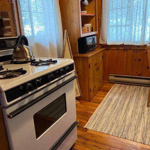 Kitchen with 4 burner propane stove with