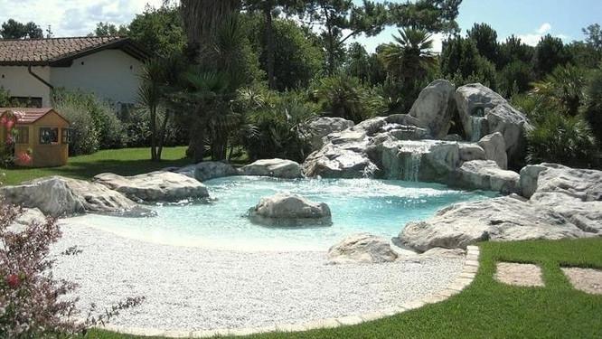 piscine in pietra naturale