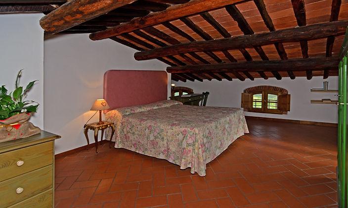 camera matrimoniale mansarda 1.jpg