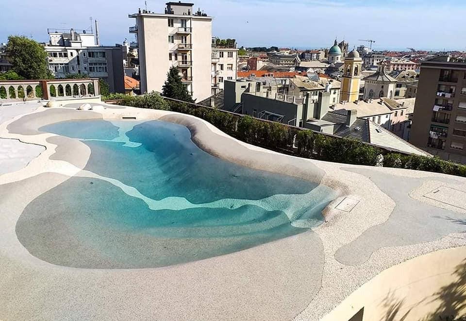 piscina in pietra grattacielo.jpg