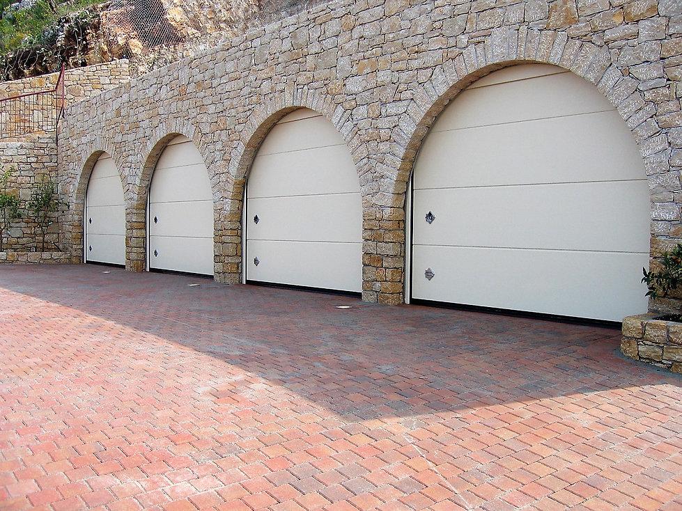 Portone sezionale da garage PERSUS - Lis